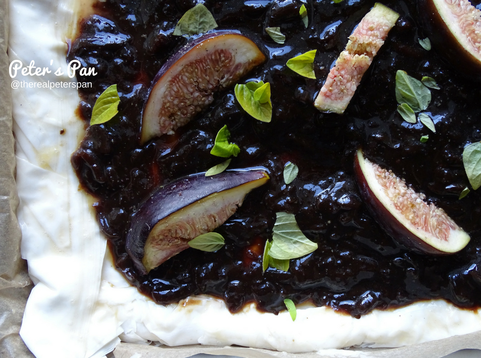 Onion chutney tart with feta Peter's Pan